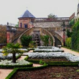 wapoldbuildings castle garden