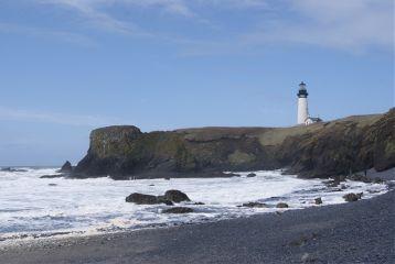 lighthouse newport or oregon coast