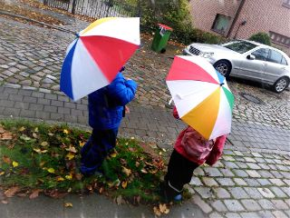 rain kids boy girl umbrella