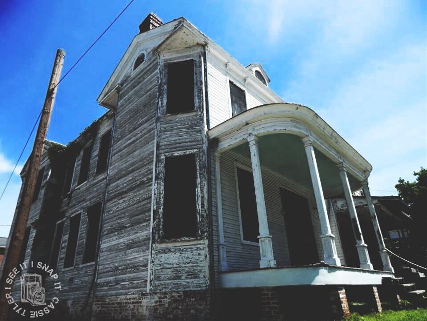 #photography  #abandoned  #abandonedbuilding  #abandonedhouse