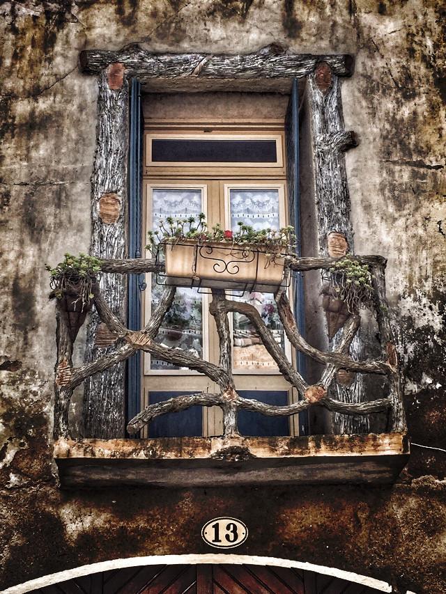 Good evening ☺️ #photooftheday #france #photography #montpellier #village #landscape #paysage #architecture  #castle #hdr #sky #door #street #goodevening #cloud #castle #sun #goodnight